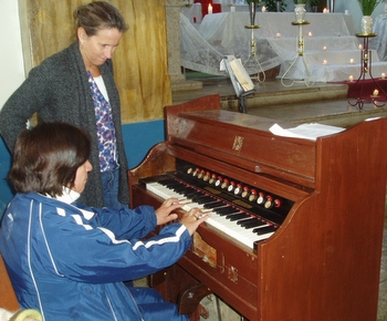Gloria and the piano