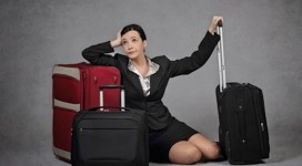 female expats traveling alone
