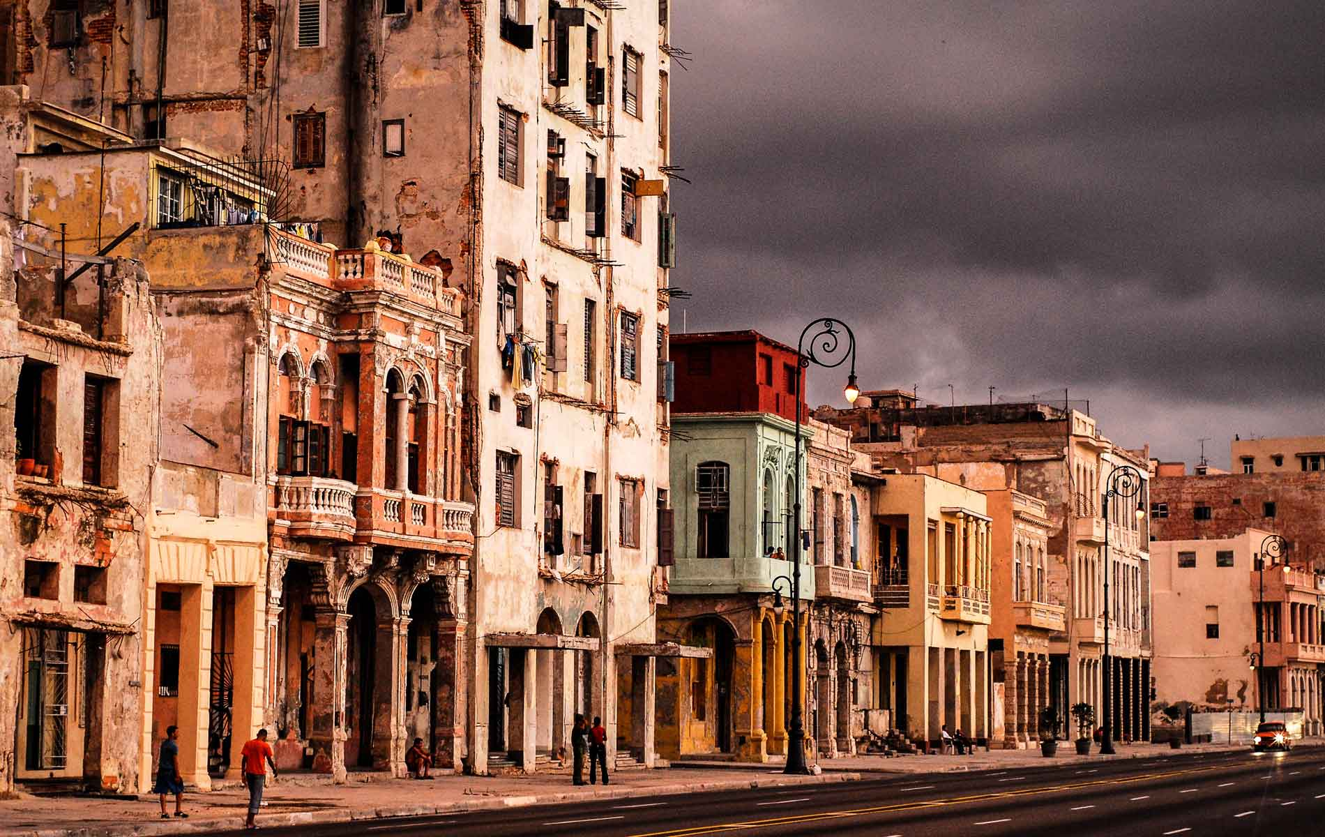 How do you live in Havana, Cuba, as an expat?